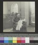Groma Bismarck mit ihrem 15. Urenkel Hans Herbert Schwarzenbach